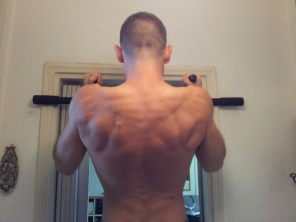 Trazioni alla sbarra in casa – Iron Gym e barra fissa